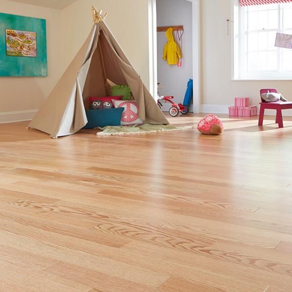Natural Red Oak Engineered Hardwood